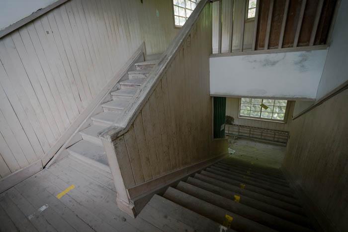 木造校舎。