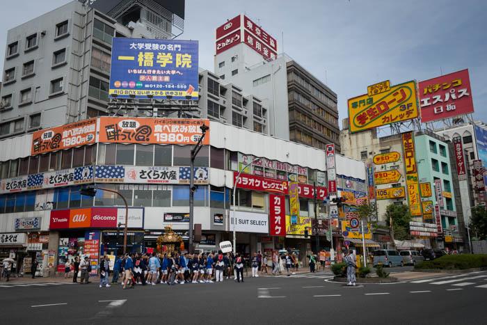 高田馬場駅前。