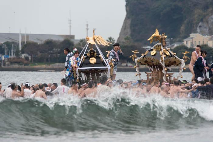 江の島寒中神輿錬成大会2016(第35回)で、海上渡御を見てきましたっ!