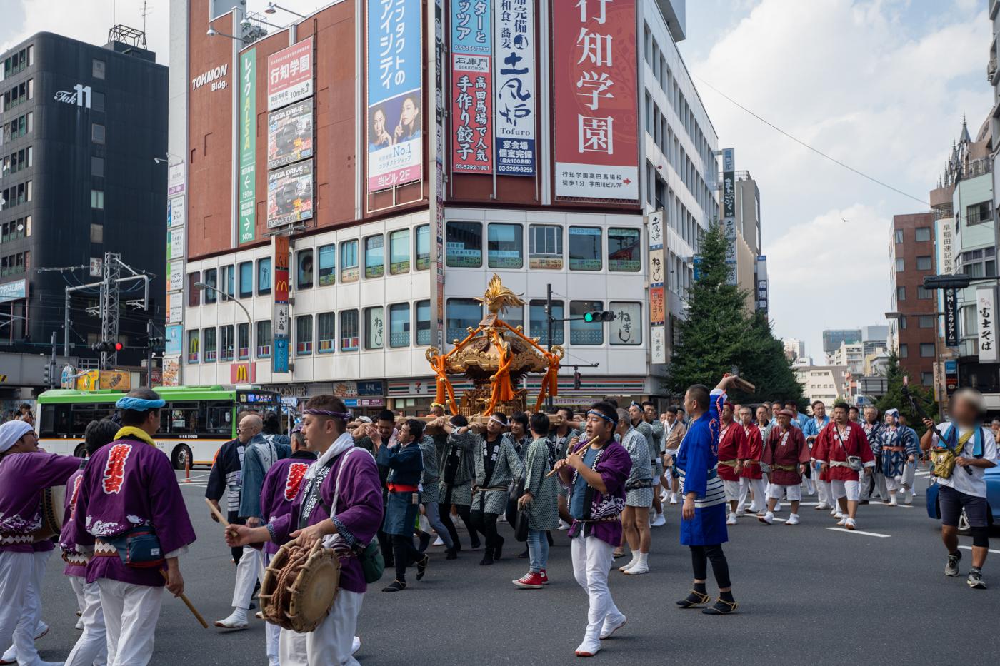 高田馬場で新宿諏訪神社例大祭の神輿を見てきたっ!